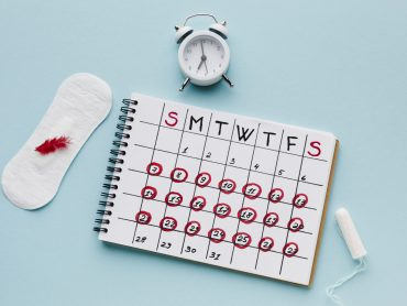 period-calendar-with-feminine-products